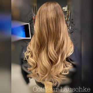 Great Lengths . . . . . [Werbung] #hairinspiration #hairideas #kassel @greatlengths #simplycreative #blondehair #balayagehighlights #newhair #friseurkassel #kassel #coiffeurlauschke #longhair #ghdcurve