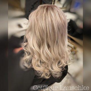 💞 . . . . . . [Werbung] #hairinspo #olaplex #revlonprofessional #hairideas #wavyhair #kassel #friseurkassel #hairstylist