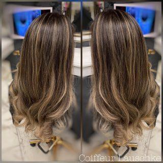 💞 . . . . . . . . [Werbung] #hairinspiration #kassel #balayageblonde #ballayage #haircolor #wavyhair #olaplex #coiffeurlauschke #friseur #hairlove