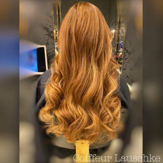 Great Lengths . . . . . . [Werbung] #hairinspiration #kassel #greatlengths @greatlengths #copperblonde #longhair #wavyhairstyle #hairdresser #hairstyles #friseur #coiffeurlauschke #hairlove