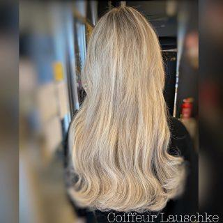 Great Lengths . . . . . . (Werbung) #hairinspiration #hairextensions #friseurkassel @greatlengths #newhair #blondehair @dysonhair #wavyhair #olaplex #kassel #hair