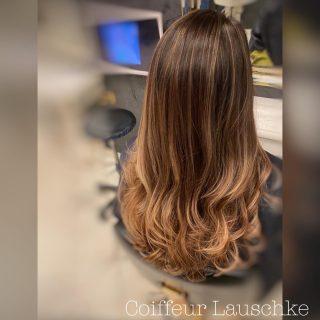 💕 . . . . . [Werbung] #balayagehighlights #olaplex #kassel #hairinspiration #hairdresser #newhair #longhair #ghdcurve #lightbrownhair #browenhair #hairstylist #coiffeurlauschke